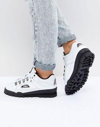 fila trail blazer boots in white