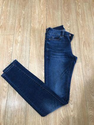 Witchery denim jeans size 6 mid to low rise