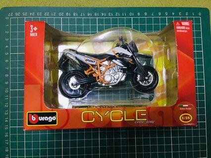 KTM 990 Supermoto 1:18