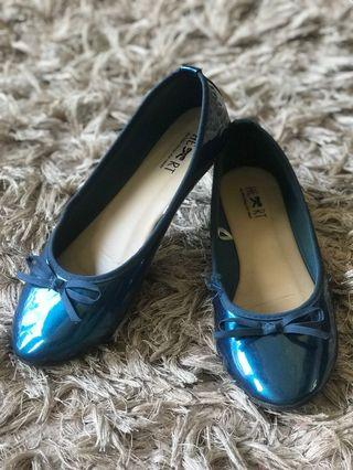 Blue metalic flat shoes