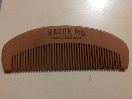 Razor MD wooden comb