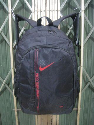 NIKE original backpack slot laptop