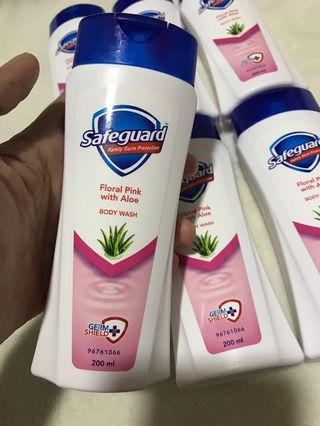 Safeguard Body Wash Floral Pink w/ Aloe 200ml  ( Family Germ Protection)