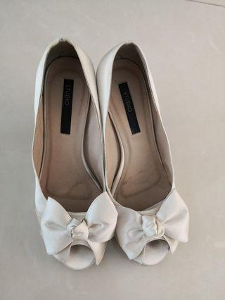 🚚 Bridal shoes