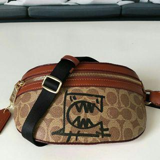 New coach #73939 doodle fanny pack