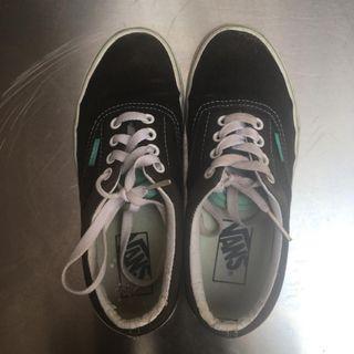 Sepatu vans wanita original uk 35