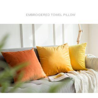 One Pair Velvet Pillow Cover with Pillow