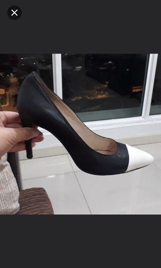 YSL Heels - Authentic