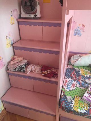 樓梯床 19號清場