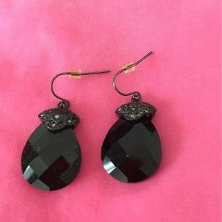 Black dangly earrings - nice for evening out!