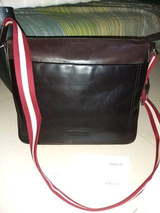 Preloved Bally Men Messenger Leather Brown Like New Condition