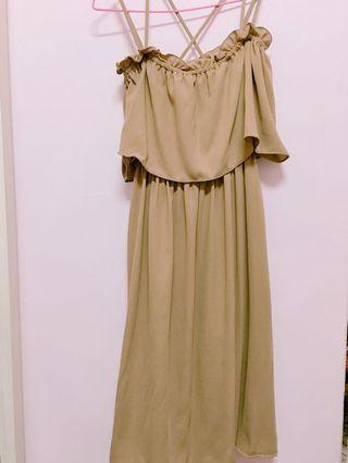🦕-駝色一字領洋裝(穿過一次)