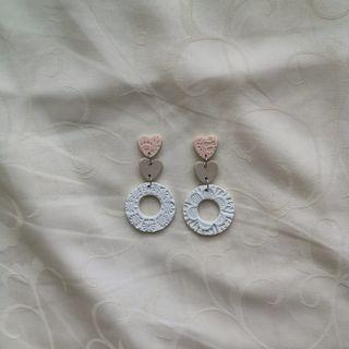 Lace embossed series Donut tri dangle