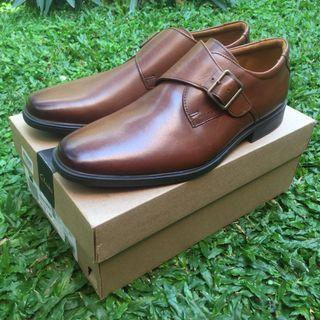 SEPATU PANTOFEL FORMAL CLARKS TILDEN STYLE DARK TAN LEATHER ORIGINAL