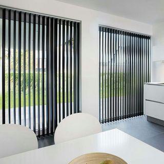 Verticall blinds