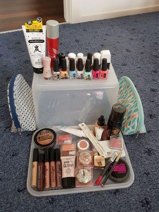 Make-Up Lot (new & lightly used) x 40+ items