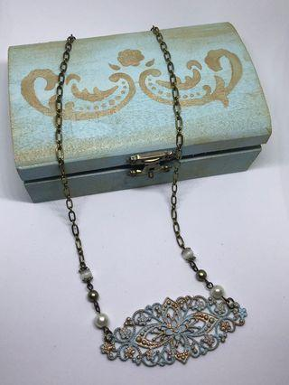 Vintage necklace with wooden box
