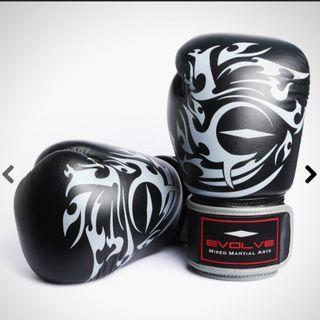 🚚 Brand New Authentic Evolve Tribal Boxing Gloves set