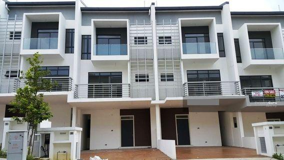 2.5sty Terrace 22'x75' Grand Villa @Lakeclub ParkHome, Rawang for ONLY RM672,000 (Market value RM920,000)
