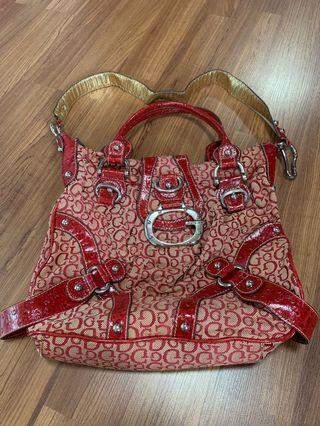 🚚 Guess handbag
