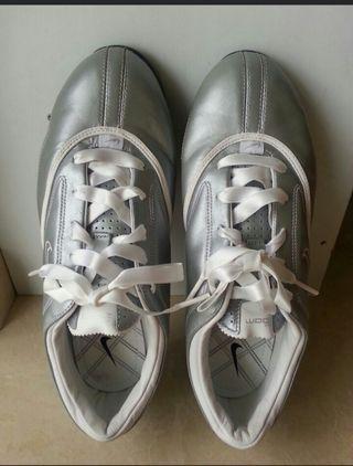 🚚 Ladies Golf Shoes