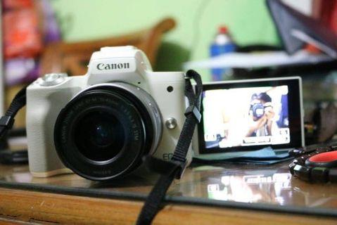 Kamera Mirrorless Cannon EOS M50