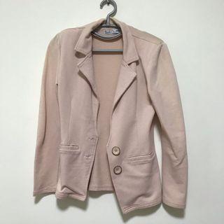🚚 Pink Jacket