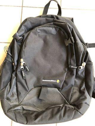 Backpack dengan logo bank
