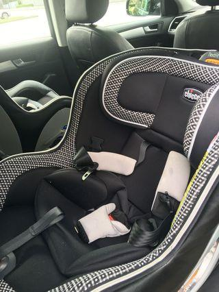 Chicco nextfit convertible seat