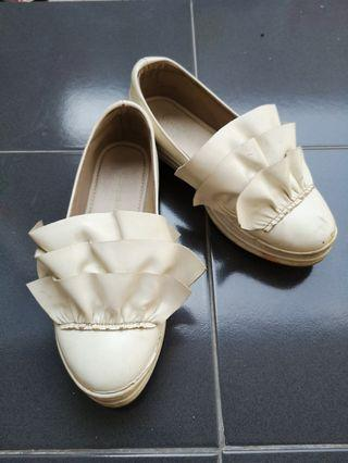 Sepatu Putih Khakikakiku sz 40