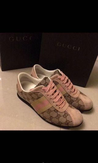 🚚 真品Gucci 粉紅色 緹花布麂皮休閒鞋