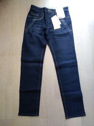 全新日本Style Jeans 美腳牛仔褲