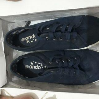 Sepatu ANDO navy 38