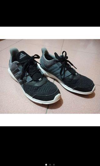 🚚 Adidas女鞋黑色慢跑鞋運動體育愛迪達輕盈舒適活動