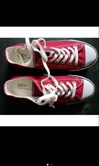 🚚 Lativ帆布鞋平板鞋紅色時尚休閒好穿搭亮點甜美
