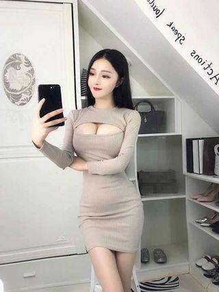 🚚 全新主播新秀性感女装 夜店性感胸前縷空長袖針織包臀洋裝