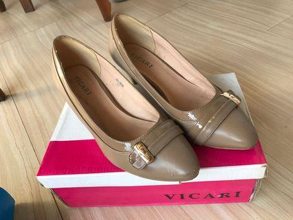 Vicari Shoes Dark Beige