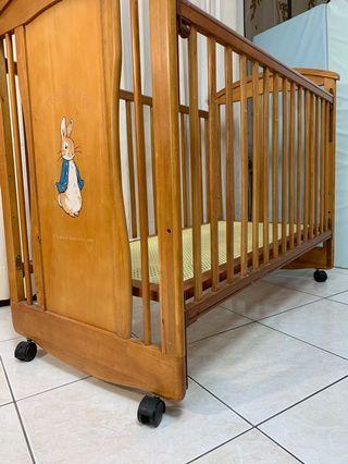 「奇哥嬰兒床」彼得兔實木嬰兒中床