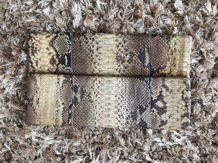 Snakeskin clutch grey