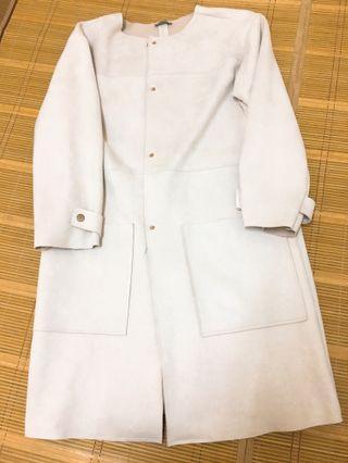 🚚 粉膚色 麂皮 長版外套 大衣 粉駝色