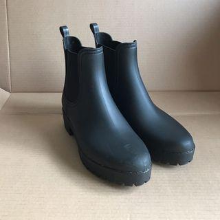 All black 雨靴