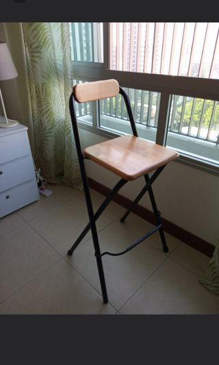 🚚 High Chair
