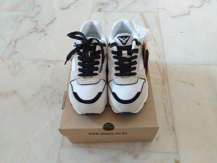BNIB SBENU WHITE SNEAKERS - Size 5 & 6