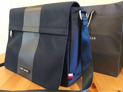 Authentic Tommy Hilfiger Shoulder Bag