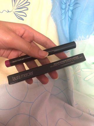 🚚 Laura Mercier lipstick