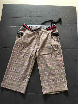 Free Bermuda shorts for him : suitable for 33 and above