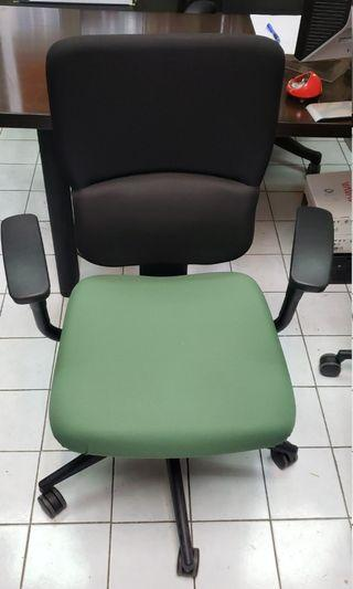 Office Chair USA Steelcase let's chair
