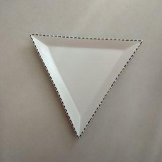 三角形瓷碟