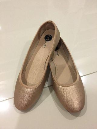 Flat shoes (incl postage)
