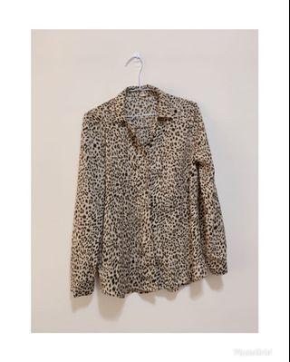 🚚 豹紋襯衫 滑布材質